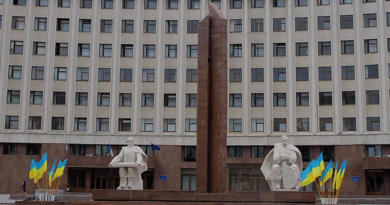 Франківська облрада: ніхто не знає, коли і де проводять прийом депутати