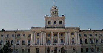 Хмельницька облрада: лише половина депутатів має приймальні