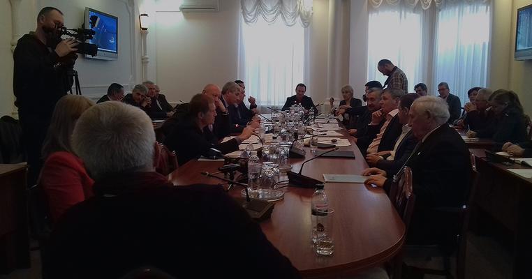 """Фото: Комітет ЖКГ зібрав навіть """"прогульників"""" для обрання представника БПП, який обиратиме членів НКРЕКП"""