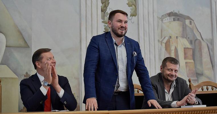 Лозовий кинув виклик Яценку в кнопкодавстві (відео)