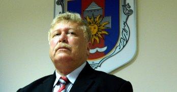 Мер наказав депутату повіситися на сесії (відео)
