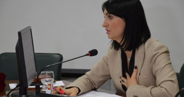 Депутатка Луцькради 2 роки поспіль поновлюється на посаді секретаря через суд