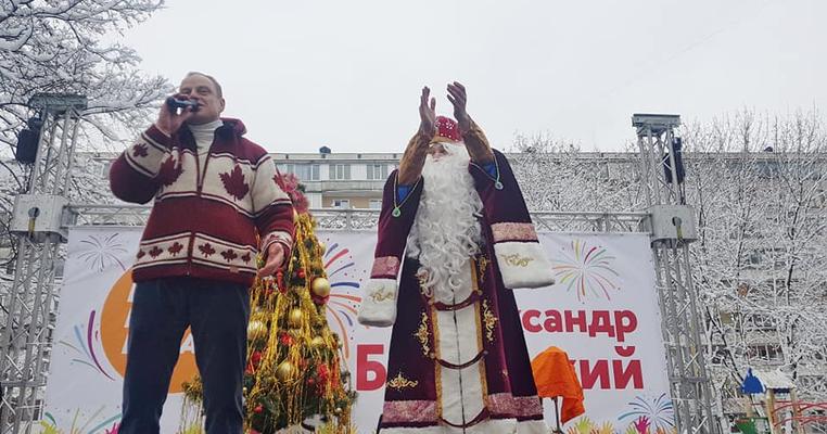 Як депутати Київради дітей миколаять (ОНОВЛЕНО)