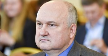 """Смешко більше половини грошей на кампанію отримав від Поживанова з """"Аграрної партії"""""""
