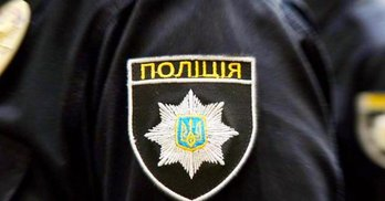 На Київщині голова комісії з печаткою тікав із дільниці в незвичний спосіб (відео)