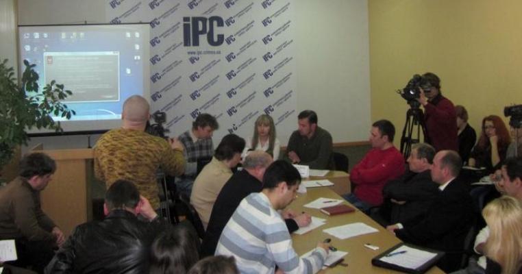 Кримська журналістка розповіла колегам про рух ЧЕСНО