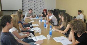 """Кількість політичної """"джинси"""" у кримських ЗМІ стрімко зросла - експерти"""