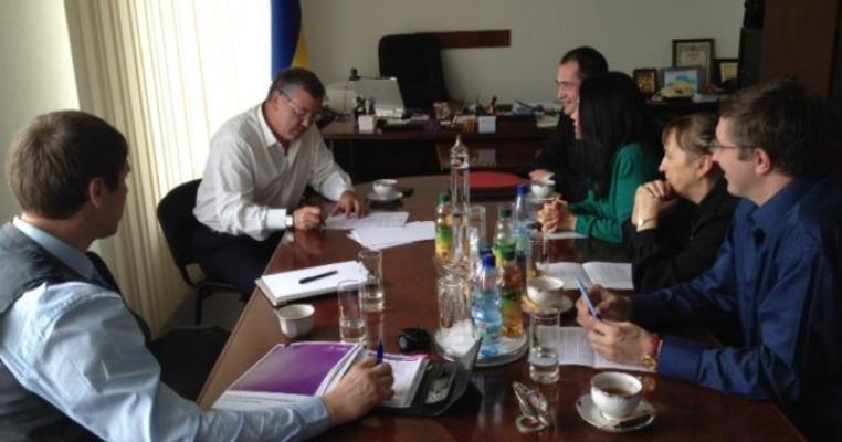 Гриценко підписав угоду про дотримання критеріїв ЧЕСНО. ДОКУМЕНТ
