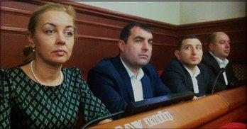 Декларації депутатів Оболоні: мільйонери, безхатченки та негрошовитий партнер Тигипка