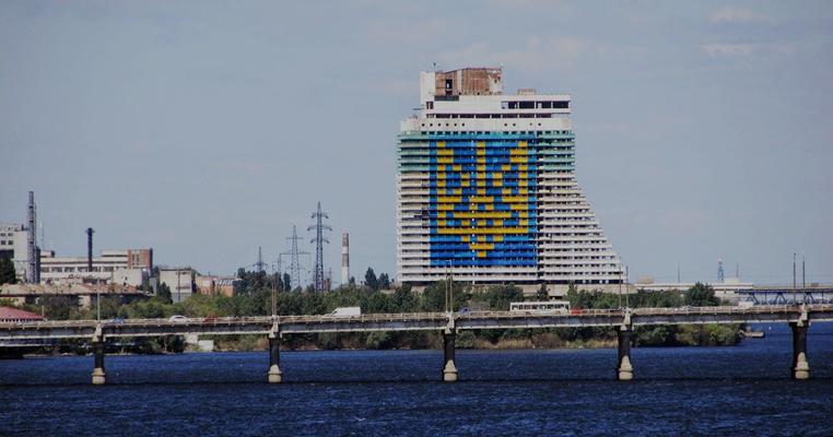 ЧЕСНО про вибори в Дніпрі: Краснов, Томчук, Ричкова та їхні клоноботи