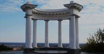 Битва за Полтавщину: ЧЕСНО про партійних кандидатів 151 округу