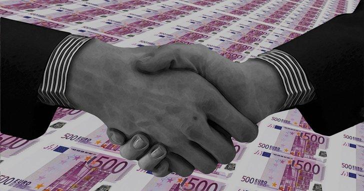 Фото: Багатії та нужденні Львівської міськради: депутати тримають 66 мільйонів готівки