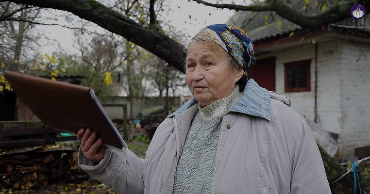 Фото: Гатненський детектив: теща секретаря сільради забудує висотками городи людей