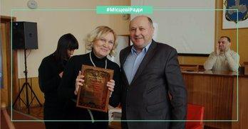 Від нардепа Юрчишина депутатам міськрад дали по 500 грн і фейкові грамоти Верховної Ради