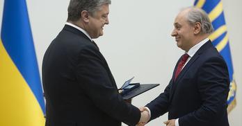 Президент – один, довірених осіб – багато. Кому в Києві довірився Порошенко