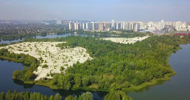 """Фото: Суд скасував дозвіл про будівництво в екопарку """"Осокорки"""""""