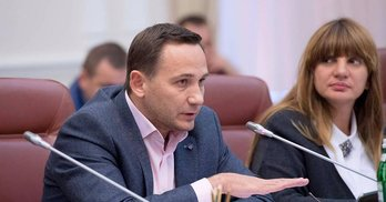 Гра в чотири руки: нардеп Горбунов залучає субвенції на округ Яриніча