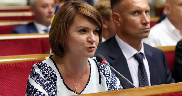 """Кого """"свободівка"""" Савчук переконала в парламенті стати """"другом Івано-Франківська"""""""