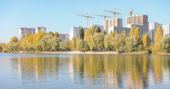 """Верховний Суд дозволив будівництво в екопарку """"Осокорки"""", громада готує нові позови"""