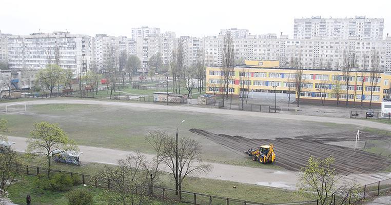 Оболонь: стадіони третій рік реконструює фігурант кримінальних проваджень