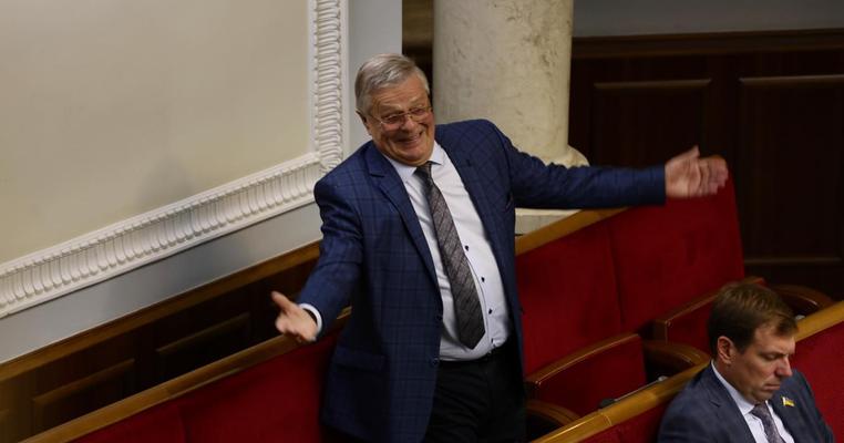 У парламенті кнопкодавив ініціатор криміналізації кнопкодавства