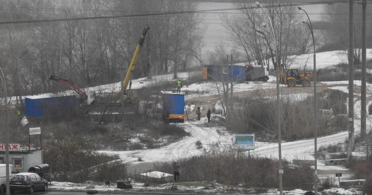 """Екопарк """"Осокорки"""": на будівництві біля озера охорона напала на активіста"""