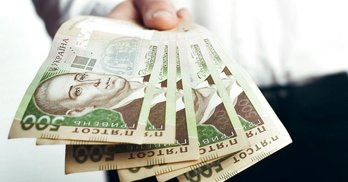 Партії і кампанії фінансує один з 1500 українців: аналітика (Оновлено)