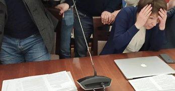 """Зірване засідання комісії ЖКГ: """"свободівці"""" з Київради вимагали, аби Кутняк склав повноваження"""
