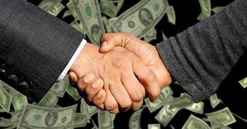 Чому у депутата Жмеринської ради видатки майже на 300 000 більші за доходи?