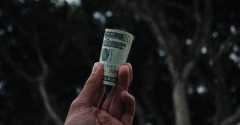 Золото партій: чому на Тернопільщині БПП скидаються грошима інші партійці
