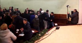 Як захопили владу через бездіяльність парламенту: приклад селища під Києвом