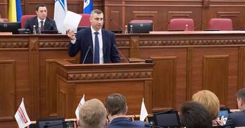 Кличко не зібрав міськраду і просить парламент розпустити депутатів