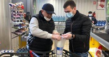 """""""Гречка"""" по-львівськи: як партії на карантині виборців """"засівали"""""""