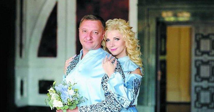 """Фото: Екснардеп-""""свободівець"""" у декреті перерахував половину річного заробітку дружини на розвиток партії"""