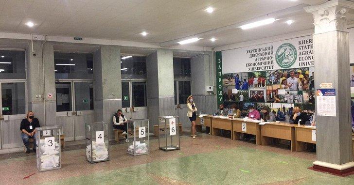 Фото: Як минула ніч підрахунку голосів на місцевих виборах